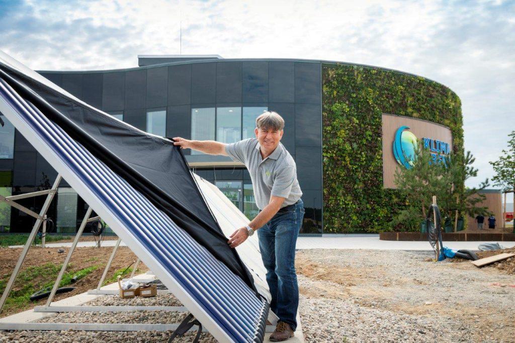 Solaranlage mit hocheffizienten Röhrenkollektoren