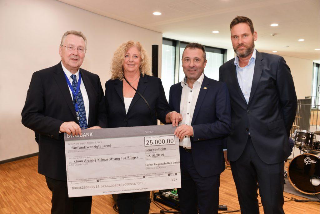 Layher Liegenschaften spenden der KLIMA ARENA 25.000 Euro