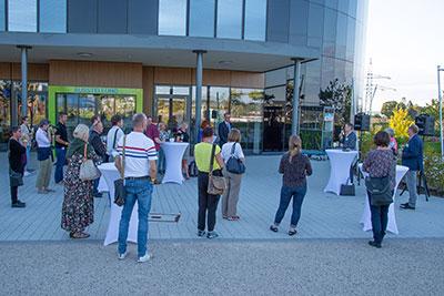 Vorstandsvorsitzender Dr. Bernd Welz durfte 26 Teilnehmer in der KLIMA ARENA herzlich